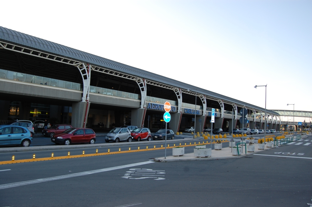Cagliari Airport (Sardinië) - vervoer vliegveld naar stad ...