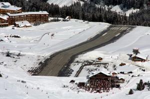 Vliegveld Courchevel start- en landingsbaan