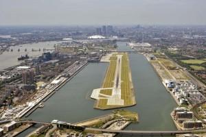 Vliegveld Londen City start- en landingsbaan