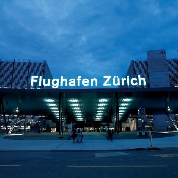 Z 252 Rich Airport Vervoer Vliegveld Naar Centrum Trein S